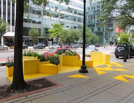 Mobilier de rue jaune